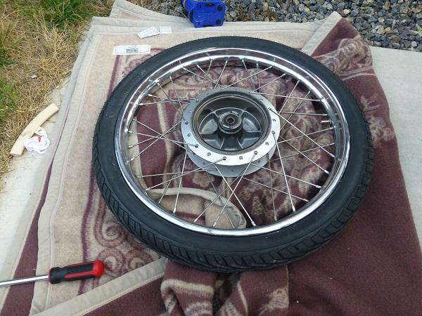 前輪のタイヤ交換