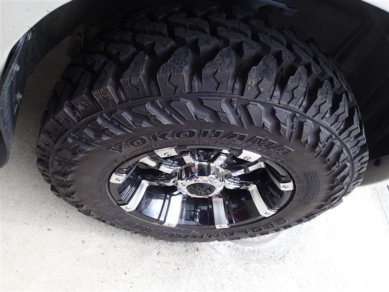 タイヤ交換とオイル交換のW作業