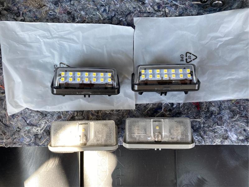 30後期 アルファード 14連 LED ライセンスランプ交換!! ②