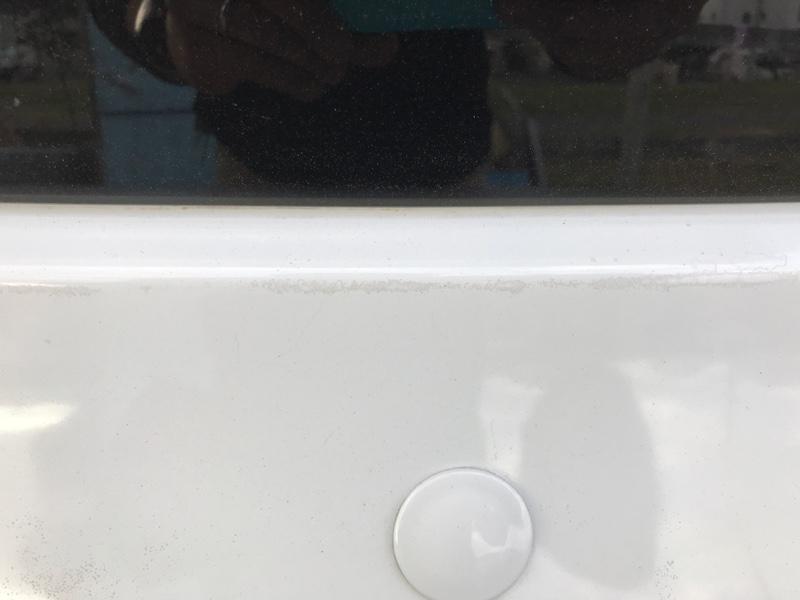 リアハッチの塗装劣化。