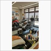 バイク屋さんでオイル交換。 会員なので工賃¥990のみ😁