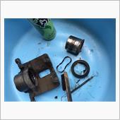 RG3 FブレーキキャリパーOHの画像