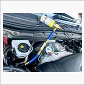 エアコンオイル添加剤注入の画像