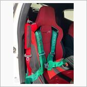 TAKATA 4点シートベルト装着の画像