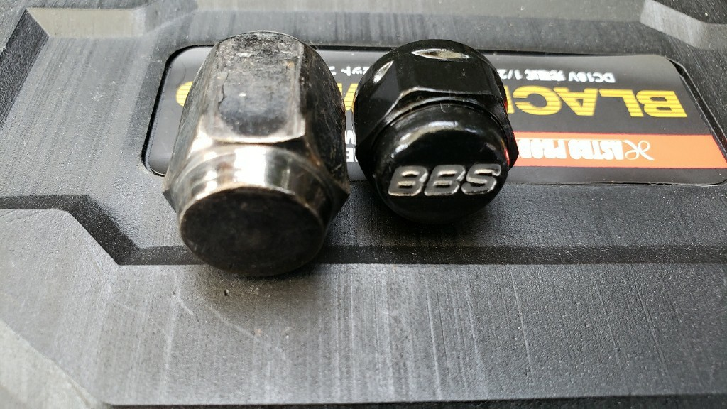 BBS ホイールナットへ交換