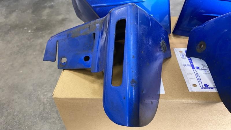スバル純正エアロスプラッシュ一台分塗装と取付