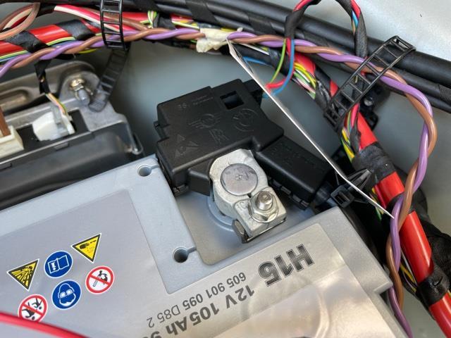 【F10 LCI 523d】AGM 105ah バッテリー交換