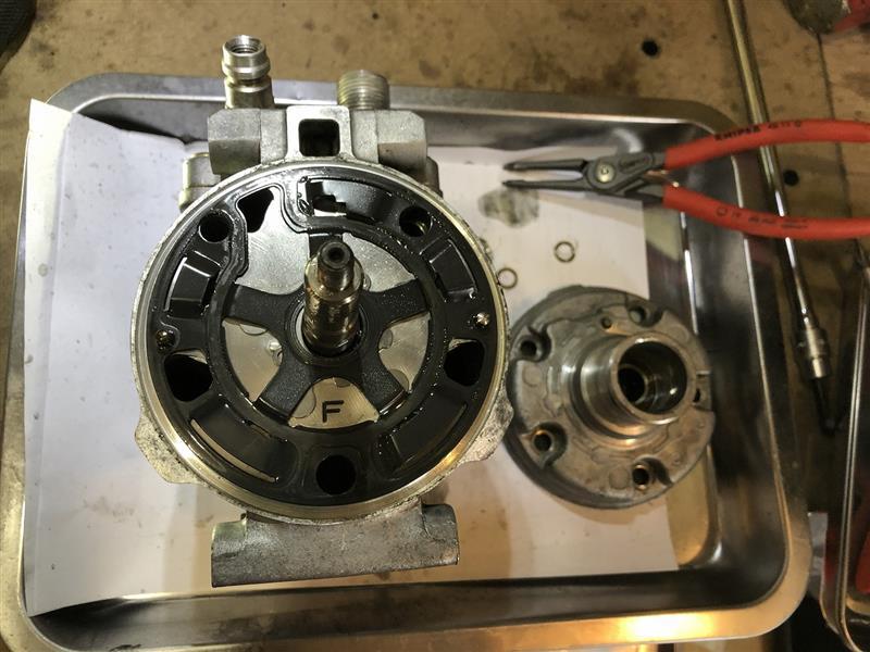 エアコンコンプレッサーのオーバーホール