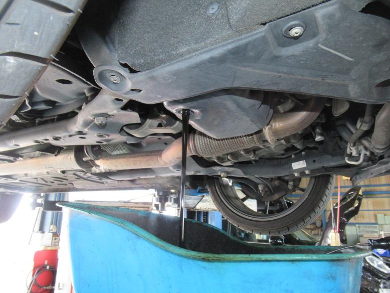 メンテナンスは大事..R55クラブマン エンジンオイル+エレメント交換 FUCHS