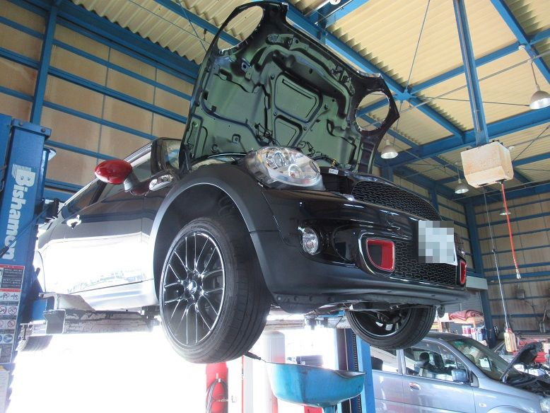メンテナンスは大事...MINI R55クラブマン エンジンオイル+エレメント交換 FUCHS