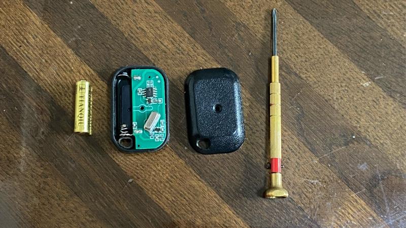 キーレスエントリー リモコン電池交換