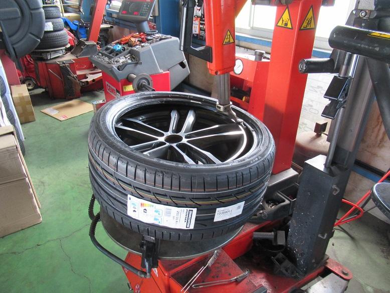 タイヤショップしてます..BMW F30 320d BS S001+アライメント調整