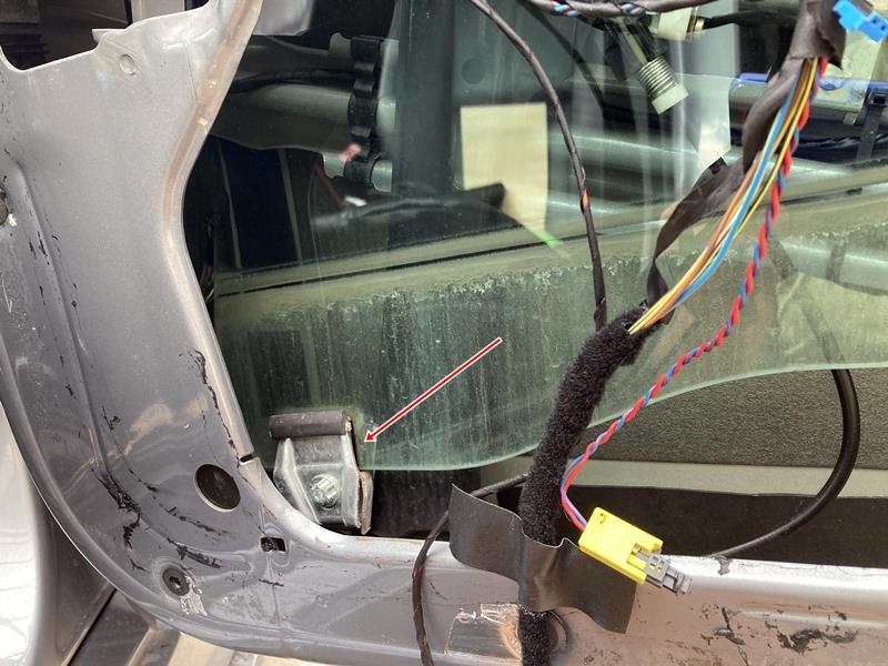 ドアガラスをクライメートコンフォートガラスへ交換(Retrofit)【98,981km】