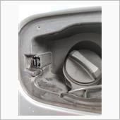 給油口の蓋がロック出来ない…の修理