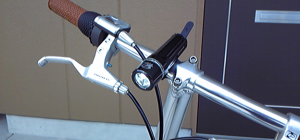 その他CAT EYE HL-EL400ヘッドランプの単体画像