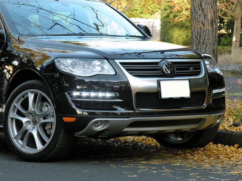 トゥアレグ本国VW純正(Sprung) R-Line フロントグリル(その後のその後~ブラッククローム加工)の単体画像