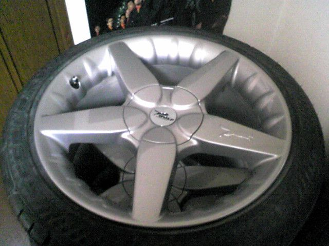 モンデオ ワゴンWOLF Concept No1の単体画像