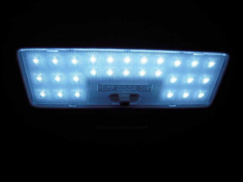 某オク LEDルームランプ