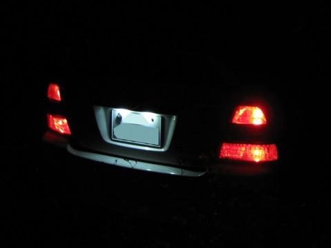 カーメイト GIGA LED ライセンスランプ