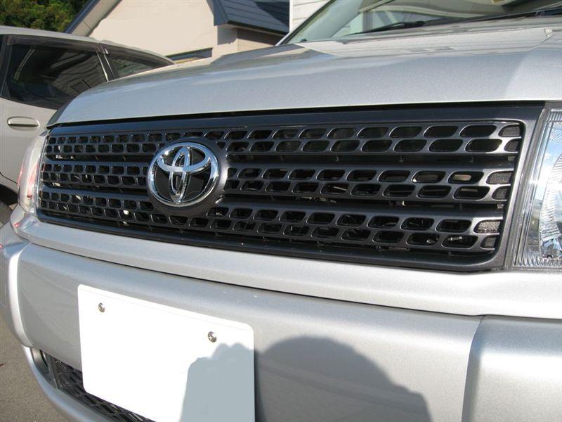 プロボックストヨタ純正 カラーエディッション用ダークグレーメタリック塗装グリルの単体画像