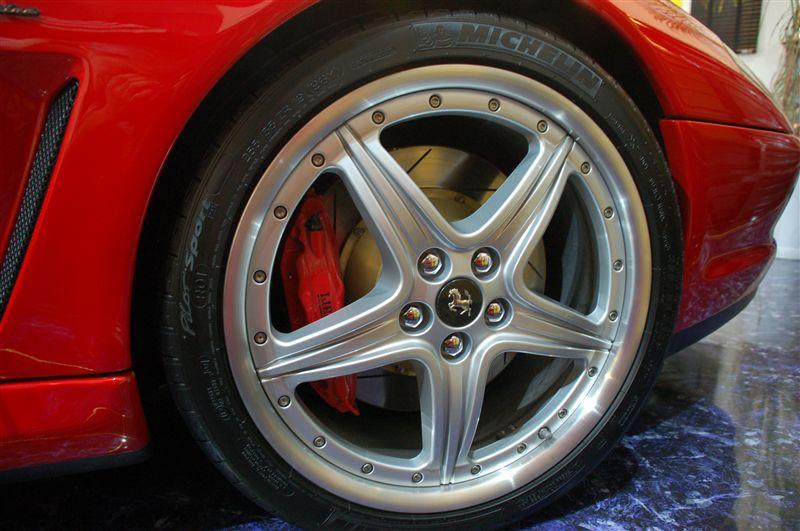 550マラネロフェラーリ純正 575M用 19インチ モジュラーホイールの単体画像