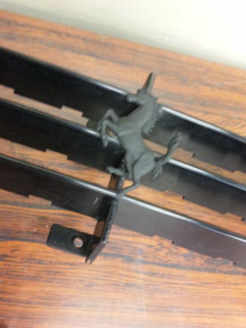 550マラネロ純正加工 フロントグリル跳ね馬塗装の単体画像