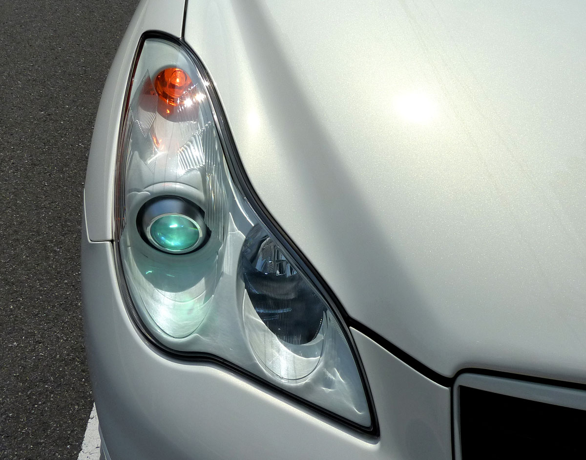 EXINFINITI純正  ヘッドライトインナー ボディ同色仕様の単体画像
