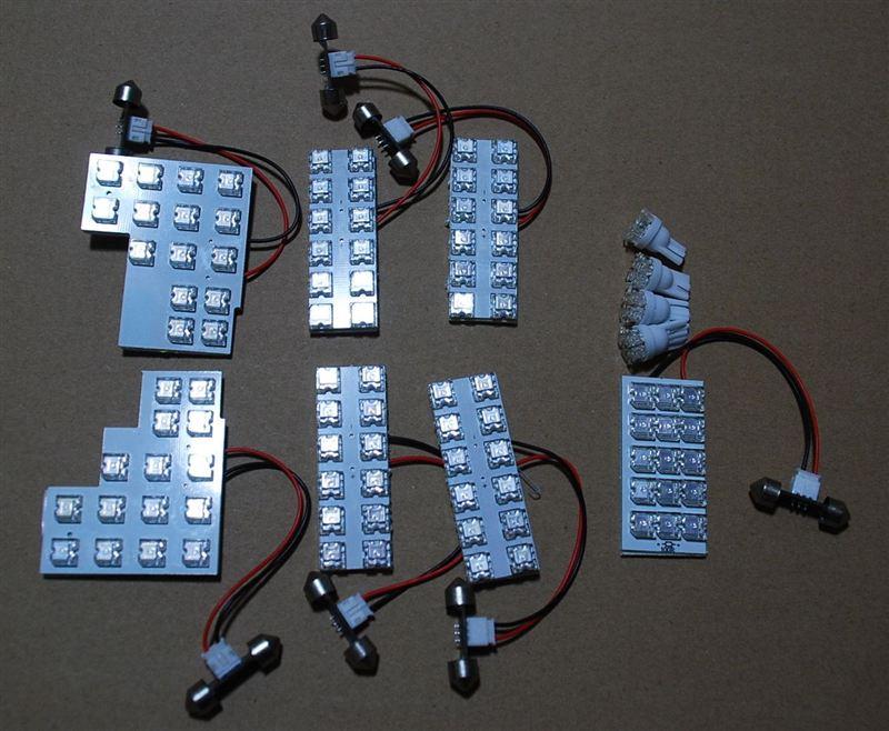 不明 セレナC25 前期 後期 LEDルームランプセット 129灯 ブルー