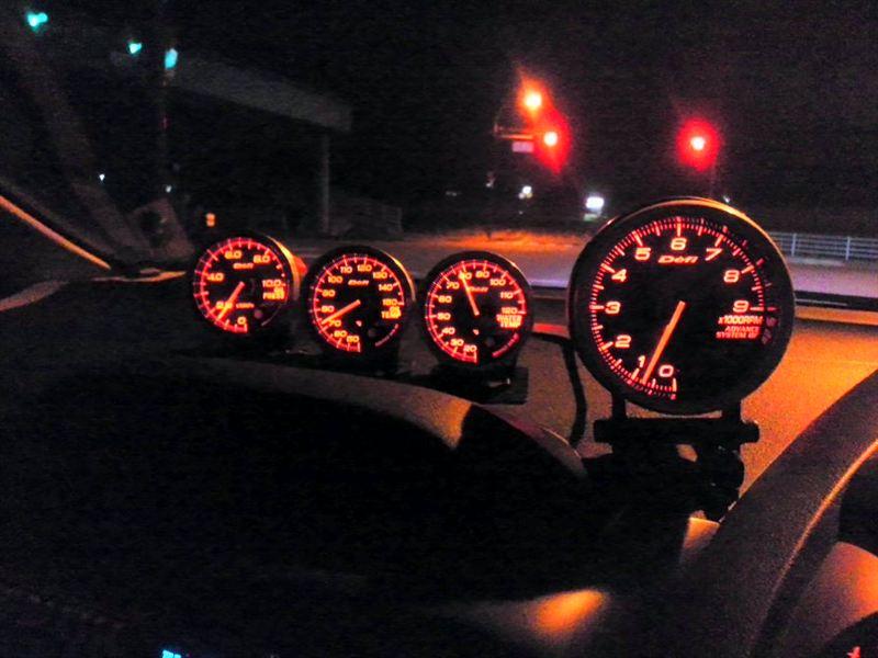 Defi 油圧計