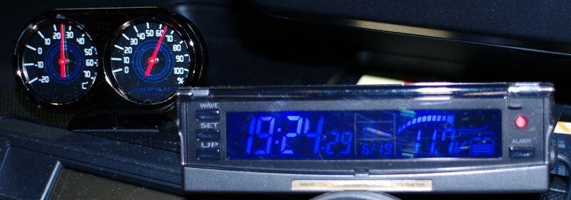 Kashimura AK-60 電波時計&電圧計