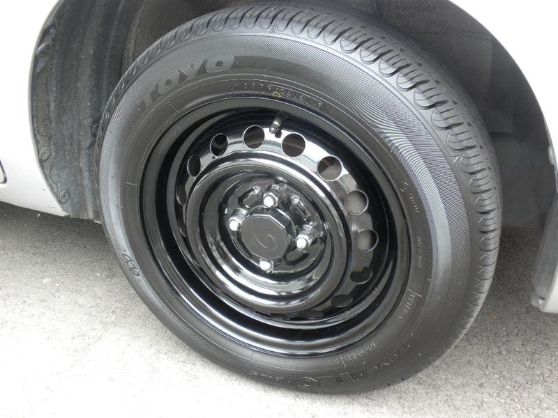 サクシードトヨタ純正 スチールホイールの単体画像