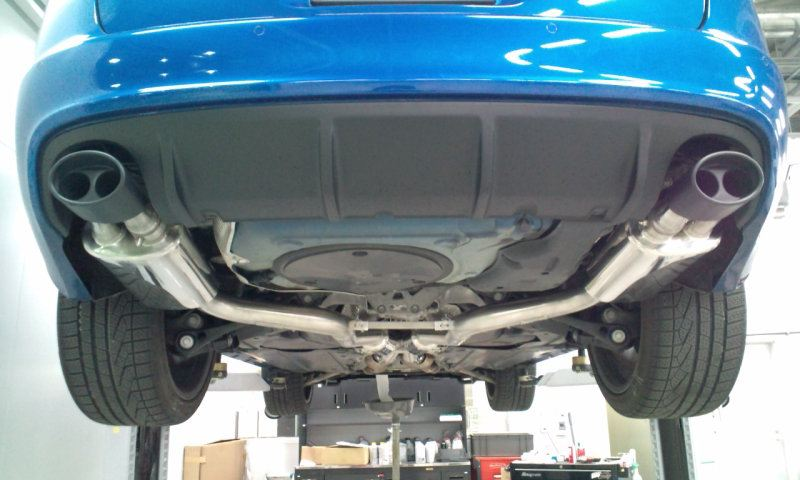 RS6アバント (ワゴン)MTM MTM exhaust system with black ceramic coatingの単体画像