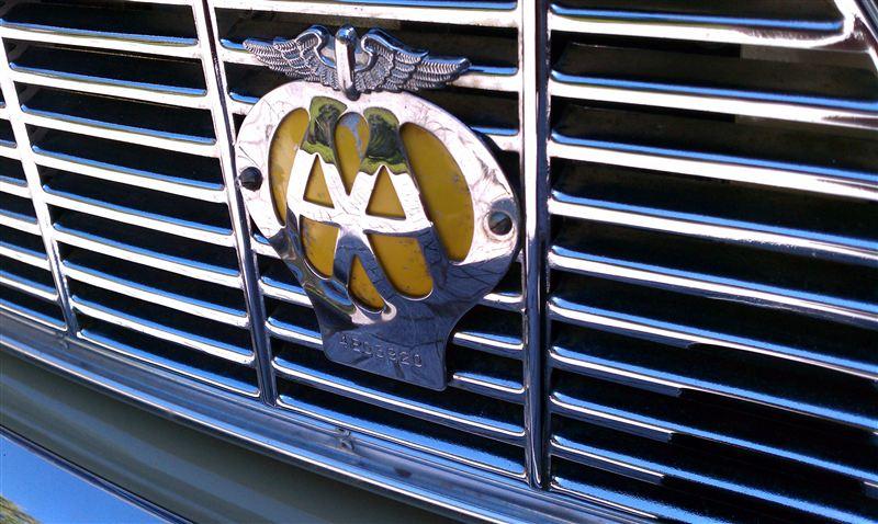 ミニ カントリーマン MKII英国 AA グリルバッチの単体画像
