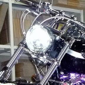 ソフテイル デュースHARLEY-DAVIDSON 純正 LED 5-3/4インチ・ヘッドランプの単体画像