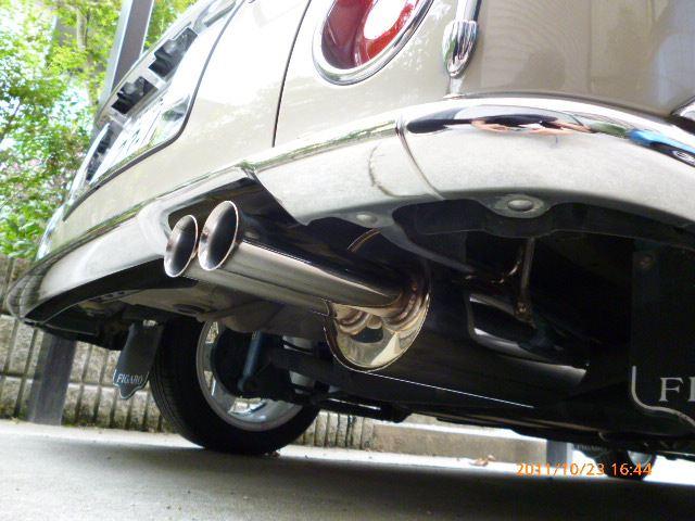 フィガロK10 MOTOR SPORTS FACTORY Exhaust  Kit SUS304(フレアw出し)の単体画像