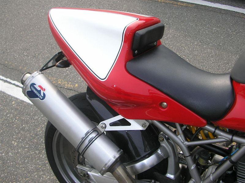 SS900TERMIGNONI スリップオンマフラーの単体画像