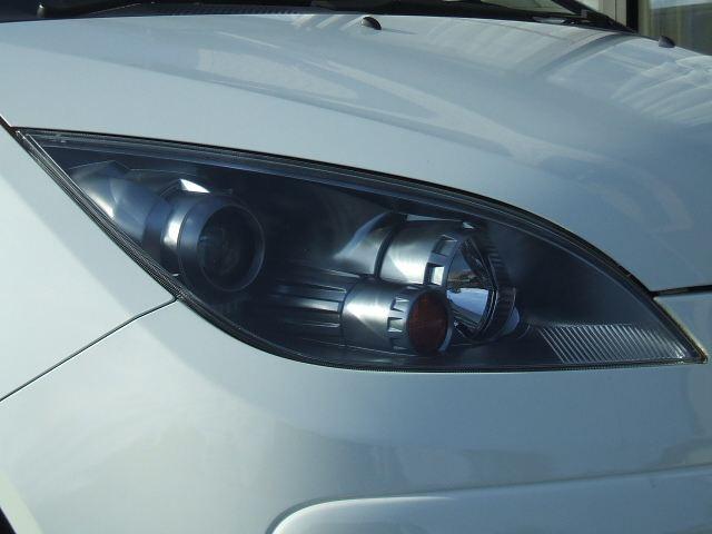 コルトプラス三菱純正 ディスチャージヘッドライトの単体画像
