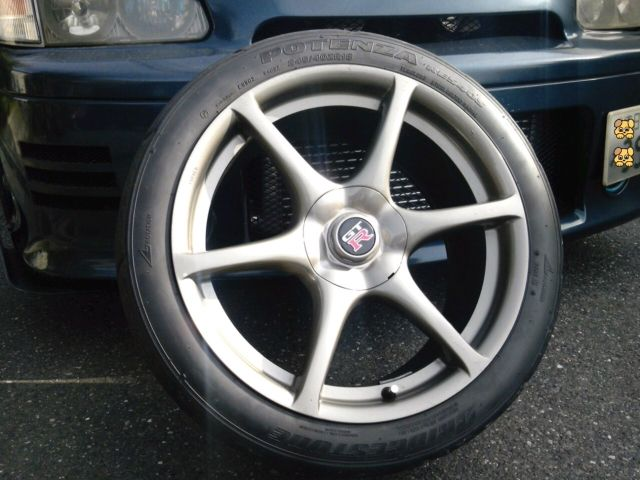 ルネッサ日産 純正 R34 GTーR 鍛造の単体画像