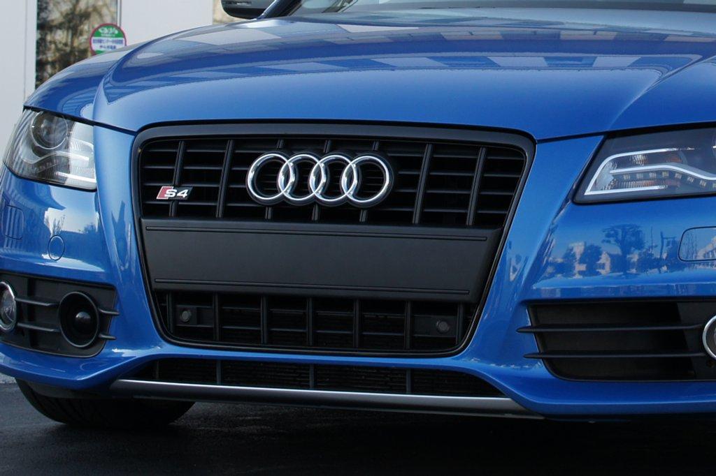 S4 (セダン)Audi純正(アウディ) S4 純正 ブラックグリルの単体画像
