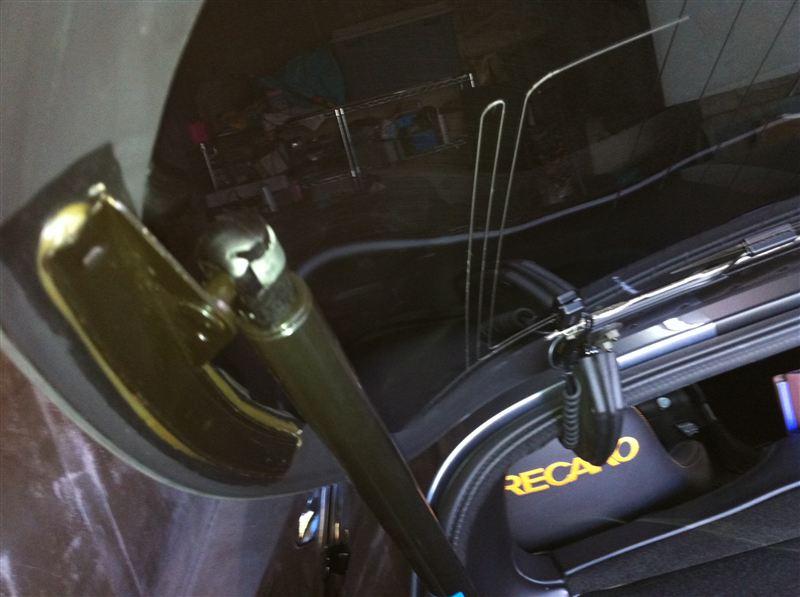 純正OEM?? Viper GTS Coupe (96-02)Up-Grade Lift Arms for Back Hatch.
