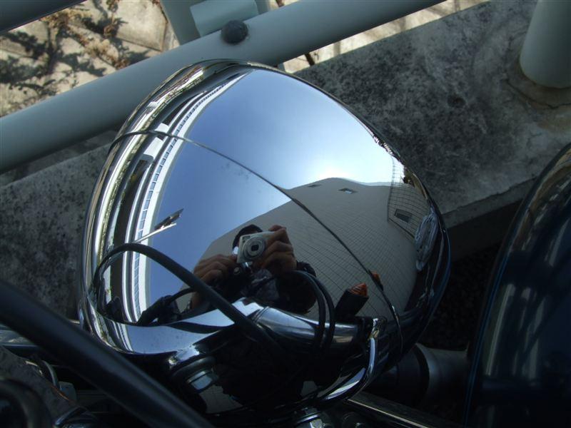 ソフテイル スタンダードHARLEY-DAVIDSON ヘッドランプトリムリングの単体画像