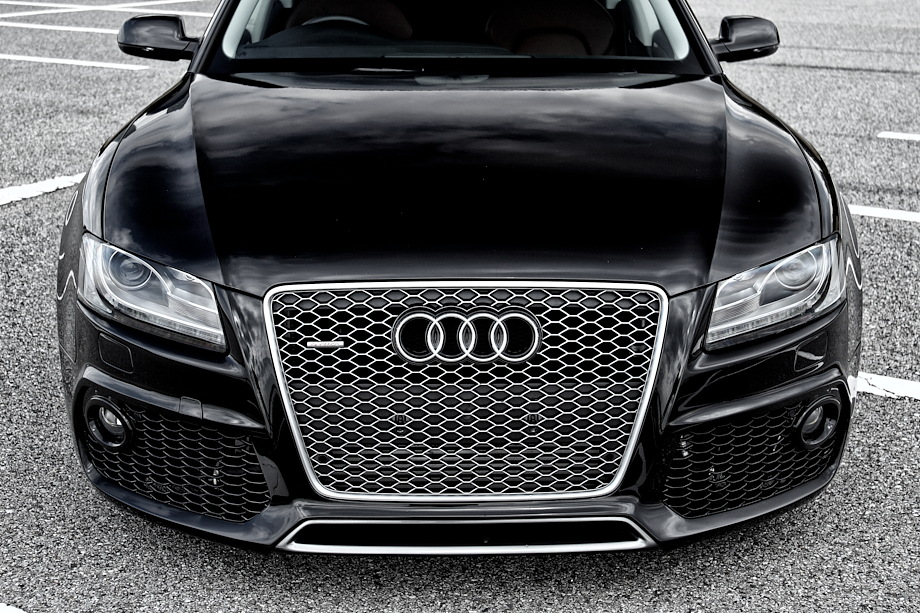 A5 スポーツバックCARACTERE AUTOMOBILE Front Bumper with Fog & PDCの単体画像