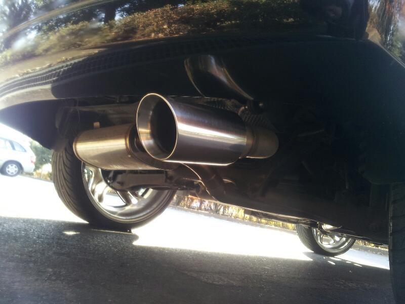 キャリバーMAGNAFLOW Exhaust Systemsの全体画像