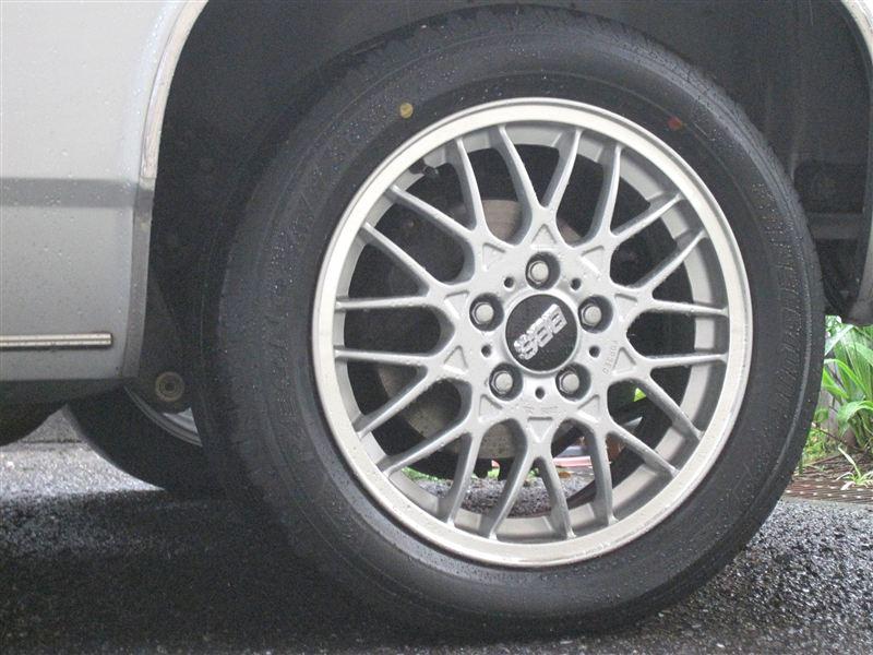 デボネア三菱自動車純正 三菱純正アルミホイールの単体画像
