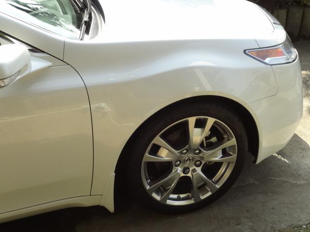 TLHONDA Genuine Parts  ACURA TL 19-inch,5-split-spork Alloy Wheels with High Performance Tireの単体画像