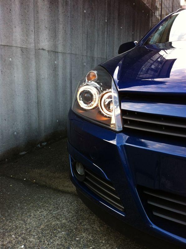 アストラワゴンDectane headlights Opel Astra Hの単体画像