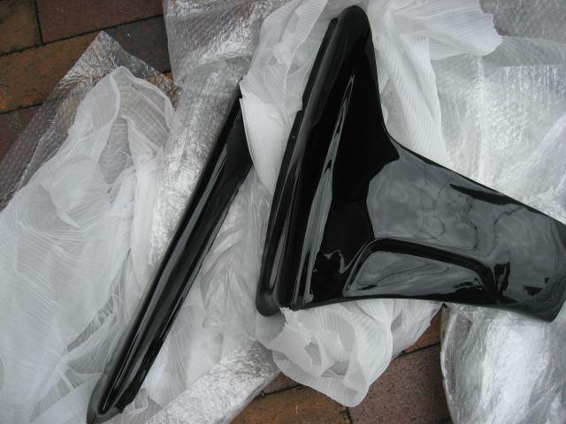 マジェスティ125MAD MAX フロント サイドカウルの単体画像