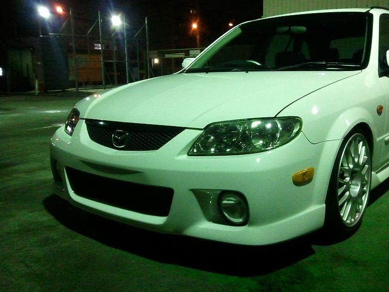 ファミリアS-ワゴンUS Mazda Genuine Front Bumperの単体画像