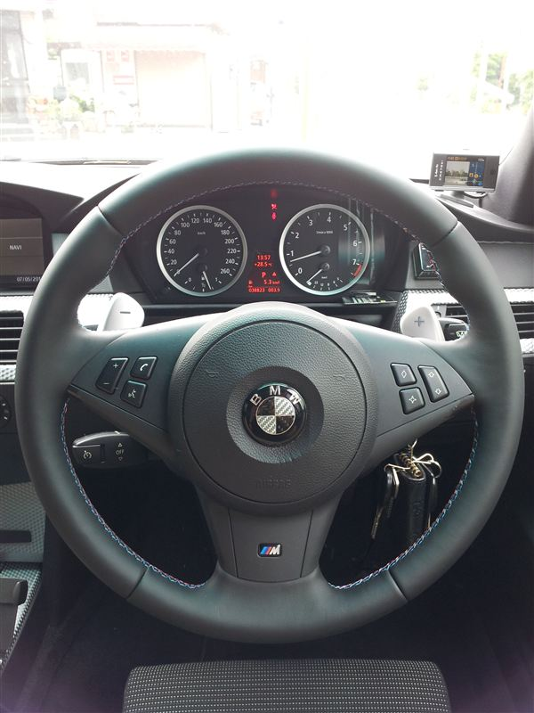 BMW(純正) M5ステアリング