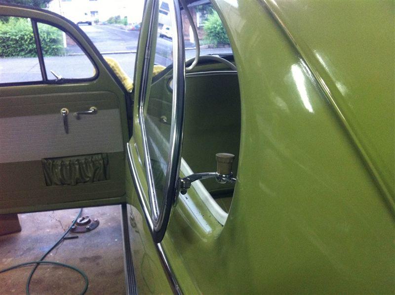 VW  / フォルクスワーゲン純正 pop out windows